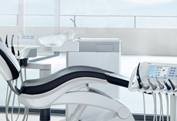Behandlungseinheit TENEO (Bildquelle: Sirona Dental Systems)